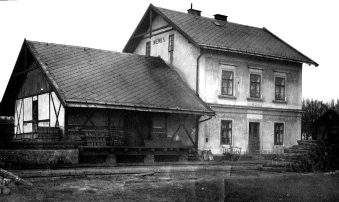 Výsledek obrázku pro staré nádraží mimoň